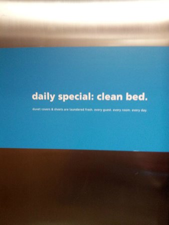 Hampton Inn Pensacola Beach: another sign in elevator