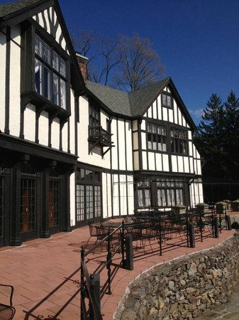 Bear Creek, PA: Bischwind patio area