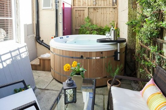 Harington's Hotel: Hot Tub