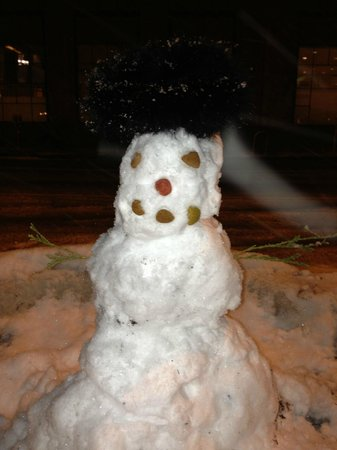 Hotel Monaco Denver - a Kimpton Hotel: A snowman during the March Winter Storm in Denver