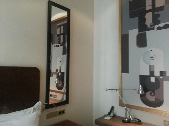 Hotel DO Placa Reial: decor