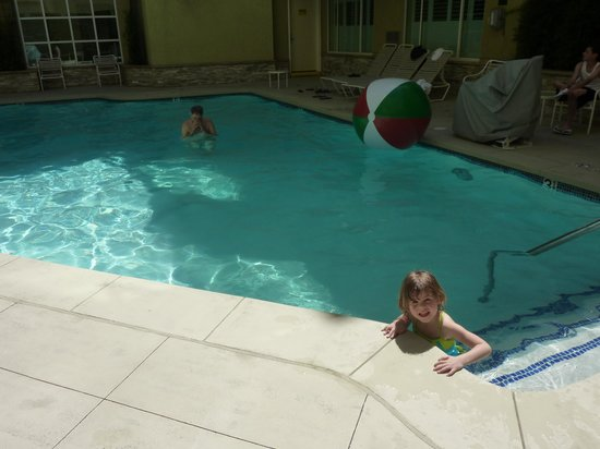 Desert Palms Hotel & Suites: good pool for kids over 4 ft tall