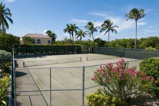 Silver Sands Condominiums: TENNIS COURT