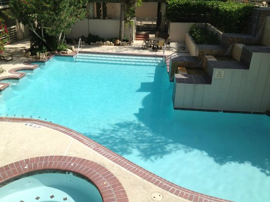 Hilton College Station & Conference Center: Pool and Spa