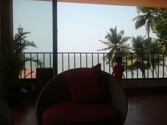 Cidade de Goa Beach Resort: View from the bar