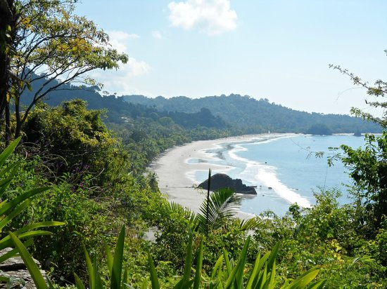 Arenas del Mar Beachfront and Rainforest Resort, Manuel Antonio, Costa Rica: View of larger public beach from restaurant