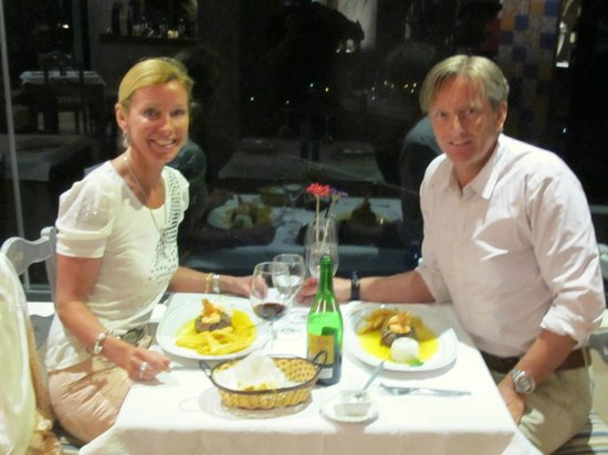 Santa Lucia, Spain: Enjoying a fantastic meal