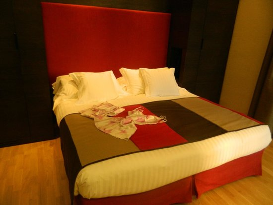 Hotel Alpi: Contemporary room