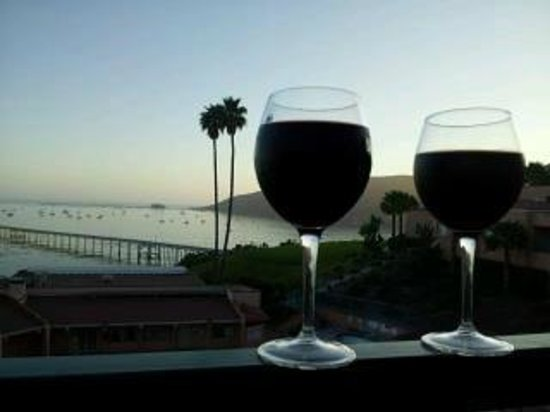 Avila Beach, CA: had wine on our balcony one evening, perfect!!