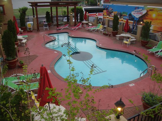 Days Inn Memphis at Graceland: nice pool