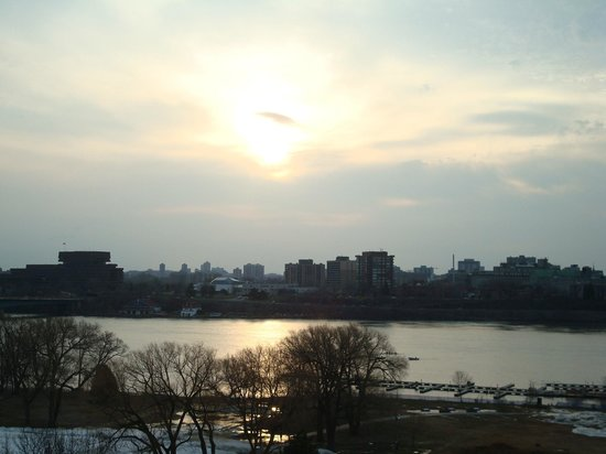 BEST WESTERN PLUS Gatineau-Ottawa: Sunrise over downtown Ottawa - taken from my room balcony