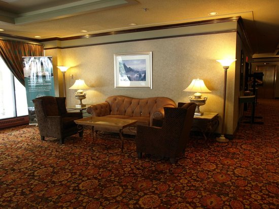 ‪‪Delta Lodge at Kananaskis‬: Signature Club - Front Foyer‬