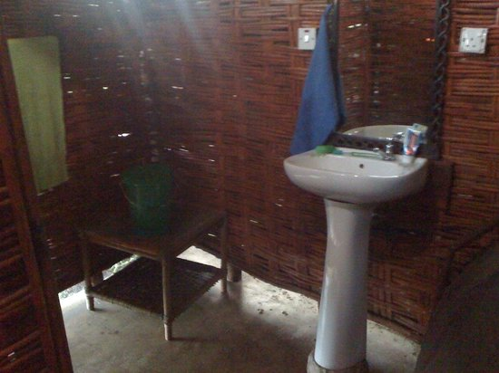 Salima, Malawi: Outdoor bathroom for the gazebo