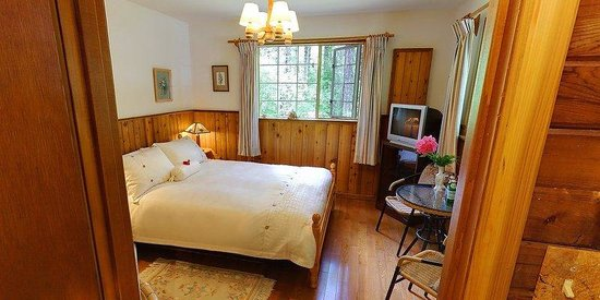 Cedar Place Bed & Breakfast