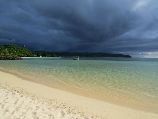 Savaii Lagoon Resort: Storm rolling into Savaii