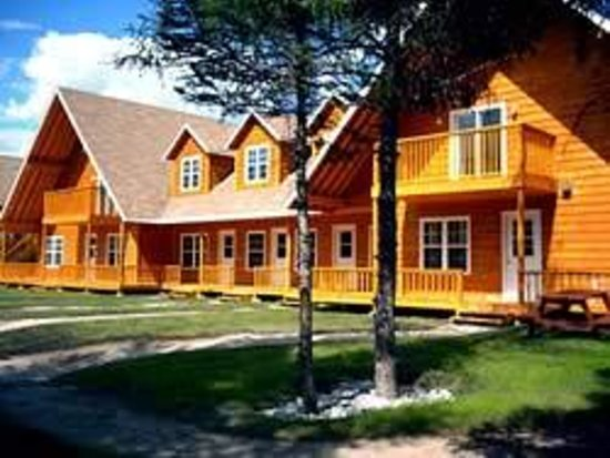 Pinetree Lodge and Cabins