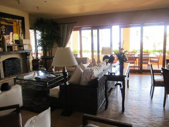Esperanza - An Auberge Resort: Spacious living room