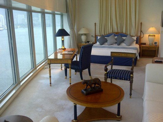 Harbour Grand Kowloon: Bedroom In Suite