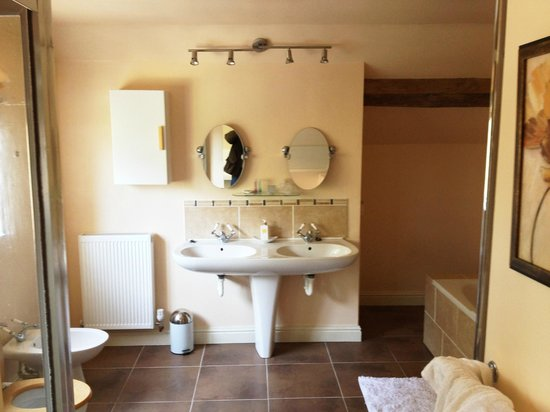 Market Rasen, UK: Our bathroom