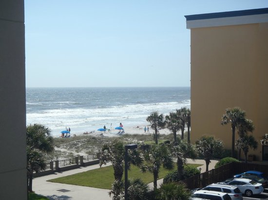 Courtyard by Marriott Jacksonville Beach Oceanfront: partial ocean view