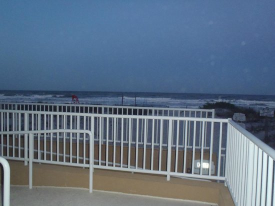 Courtyard by Marriott Jacksonville Beach Oceanfront: beach