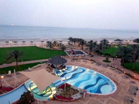 Danat Jebel Dhanna Resort: Sunset view