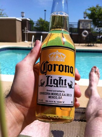Hilton Garden Inn Greenville: Corona at the pool
