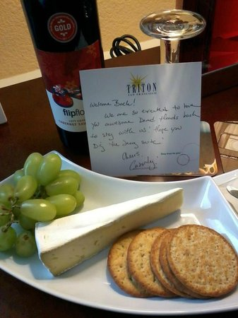 Hotel Triton - a Kimpton Hotel: Jerry Garcia Suite - Welcome note.