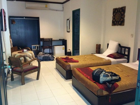 Top Garden Boutique Guesthouse: Deluxe air-con room
