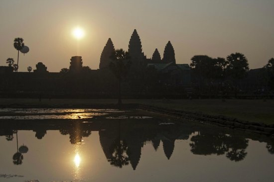 """<a href=""""/Attraction_Review-g297390-d317907-Reviews-Angkor_Wat-Siem_Reap_Siem_Reap_Province.html"""">アンコール ワット</a>: 画像"""