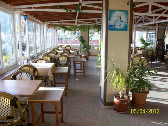 Hotel Kayahan: Roof Terrace Dining Area