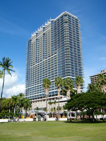 Tropic Towers Apartment Hotel