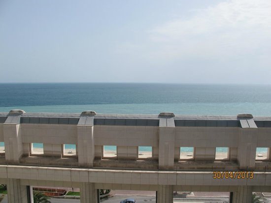 Hyatt Regency Nice Palais de la Mediterranee: View from room to the sea
