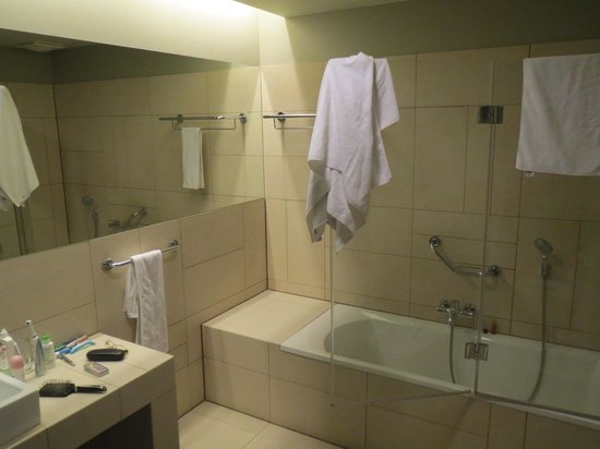 Buda Castle Fashion Hotel: Ignore our towels. Everything was very clean!