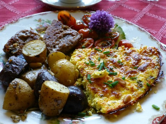 Pescadero, Californien: great breakfast- duck egg frittata!