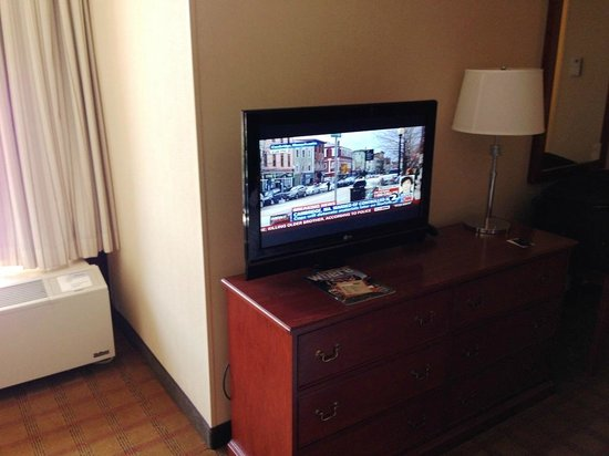 Four Points by Sheraton San Francisco Bay Bridge: TV