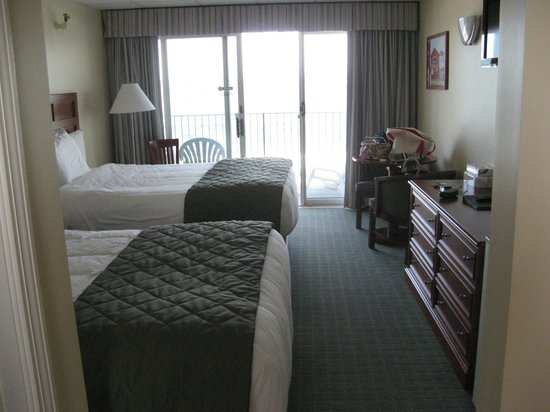 Atlantic Oceanfront Motel : microwave,frig, coffee maker in the room