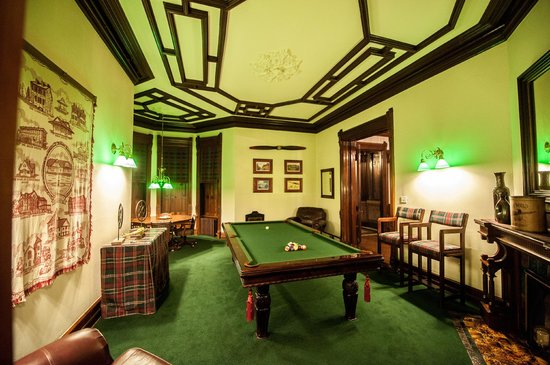 Bellefonte, PA: Billiards Room