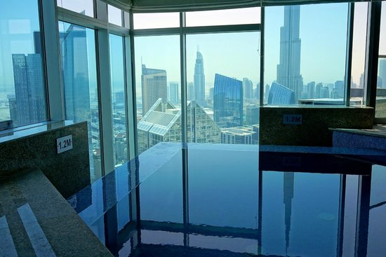 Shangri-La Hotel, Dubai: Pool im Horizon-Club