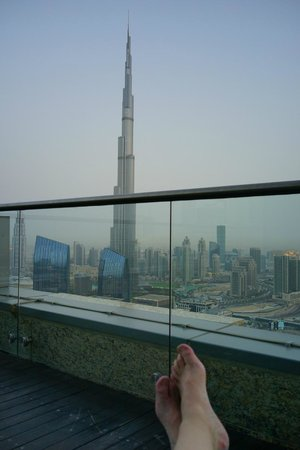 Shangri-La Hotel, Dubai: Aussicht von der Sonnenterrasse