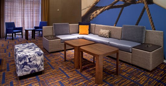 Courtyard by Marriott Baltimore Downtown / Inner Harbor: Lobby Seating