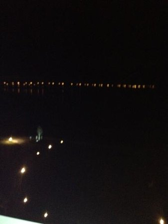 Hyatt Regency Chesapeake Bay Golf Resort, Spa & Marina: view out on the bay at night