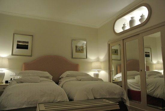 Mount Nelson Hotel by Orient-Express: The Bed in my room