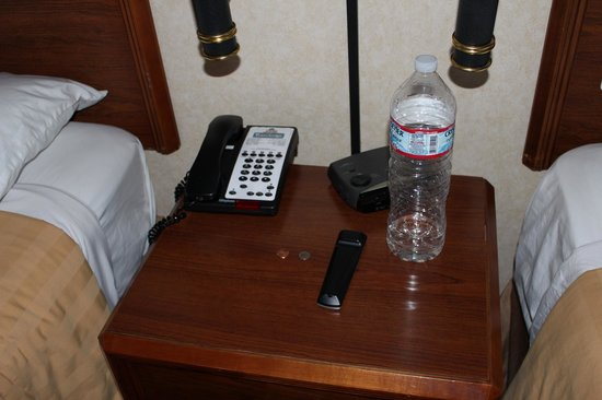 Travelodge by the Bay: Not our empty water bottle