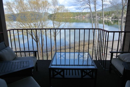 Lodge at Whitefish Lake : Master bed balcony 