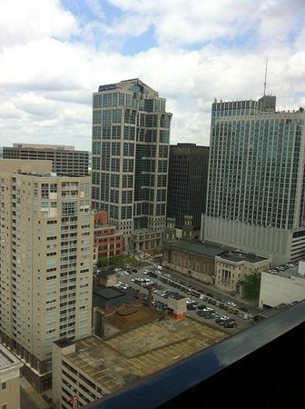 Renaissance Nashville Hotel: Elevator view
