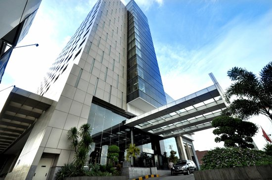 Gumaya Tower Hotel Semarang