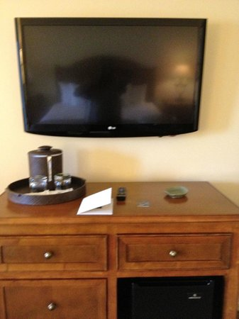 The Lodge at Woodloch: large flat screen tv