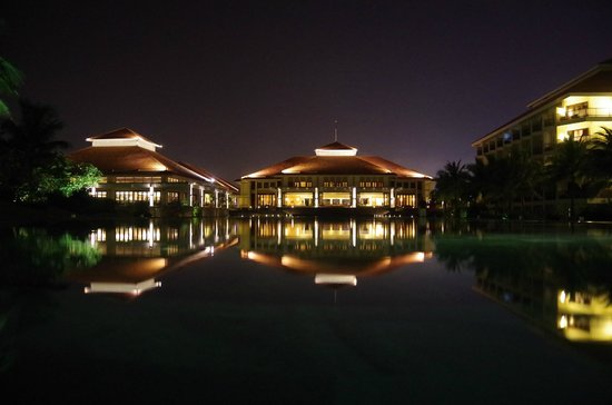 Pullman Danang Beach Resort: Expansive grounds