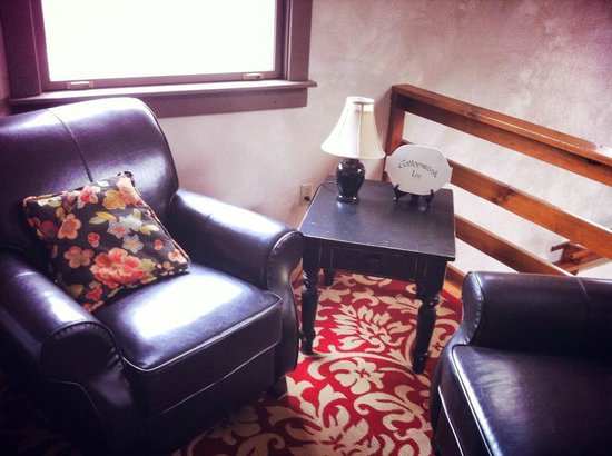 Cottonwood Inn: Sitting Area
